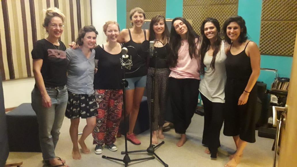 CON  UN SUBSIDIO DEL INAMU  Las «Hijas de la Luna» están grabando su primer EP